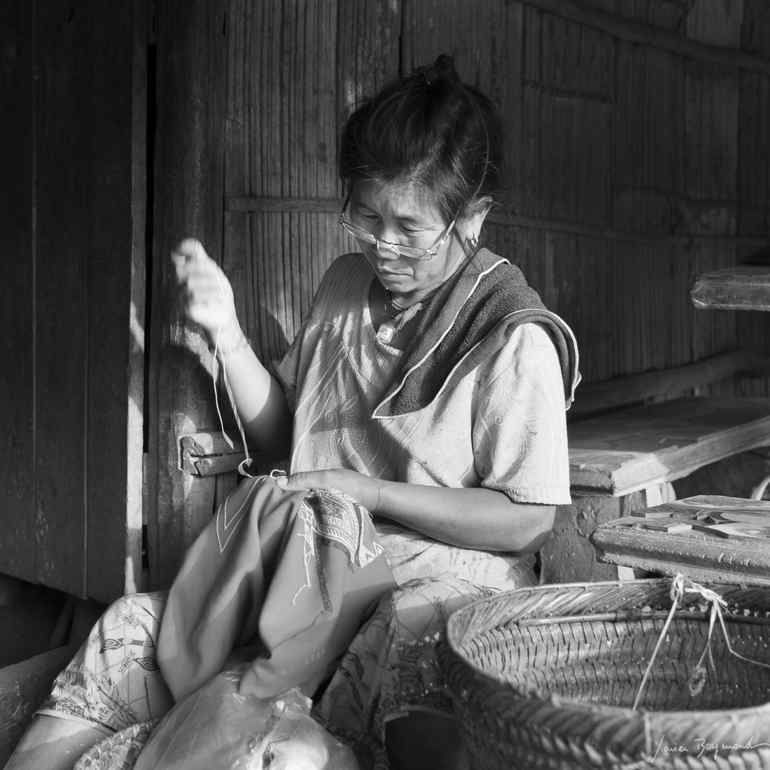 Old lady making Local Daauw Product