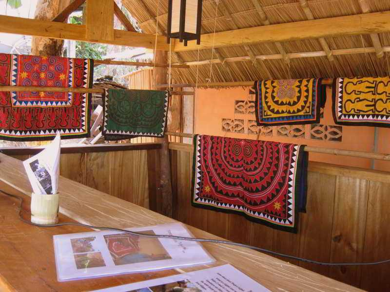 Daauw artwork and local product
